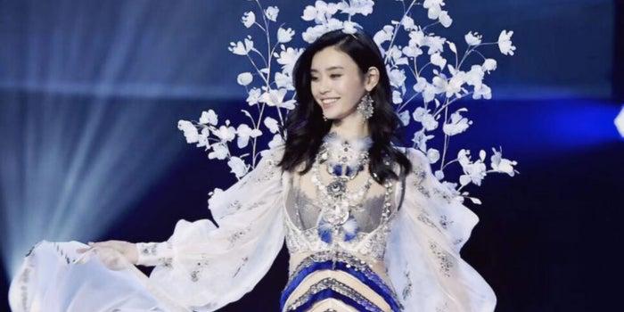 Las enseñanzas de un ángel caído en el Victoria's Secret Fashion Show 2017