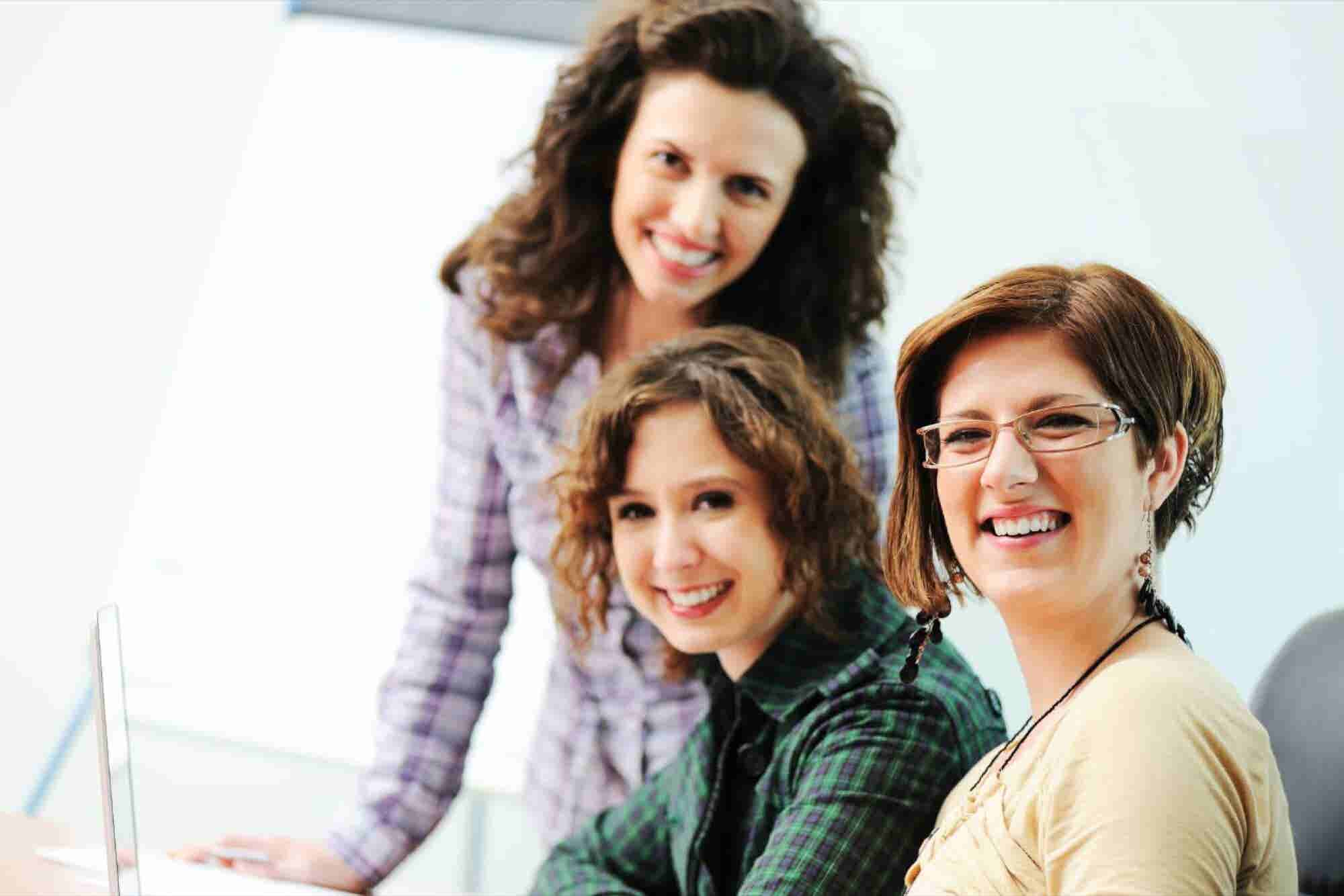 Mujeres emprendedoras, una herramienta para la equidad y disminución d...