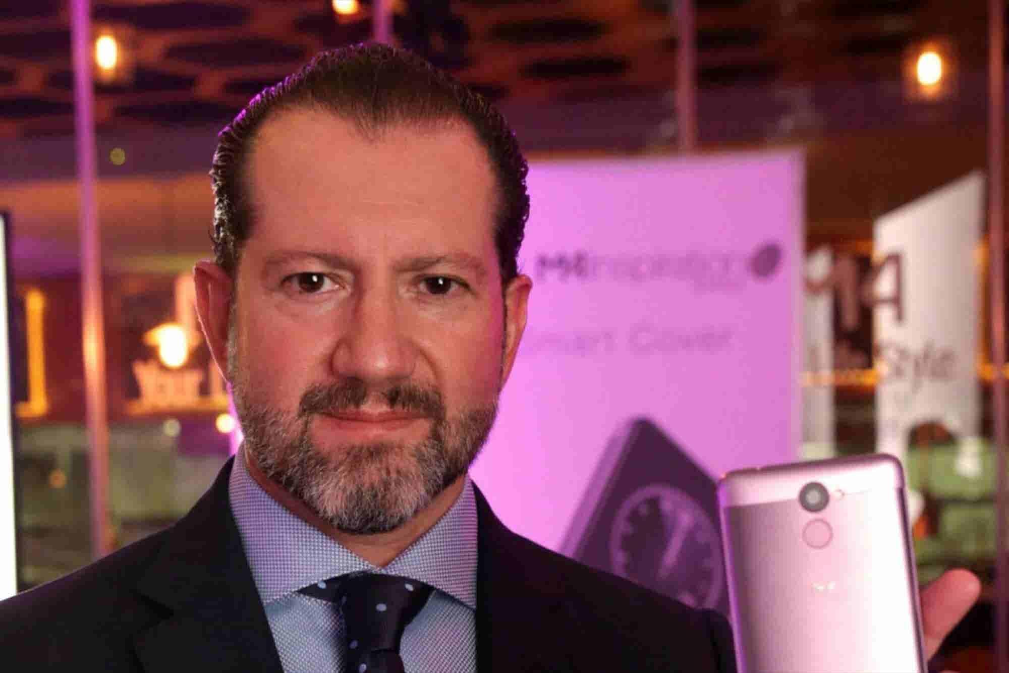 El hombre que construyó un imperio mexicano de smartphones