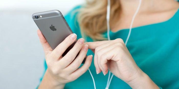 Tu iPhone está lento y la batería ya no dura ¡Todo es culpa de Apple!