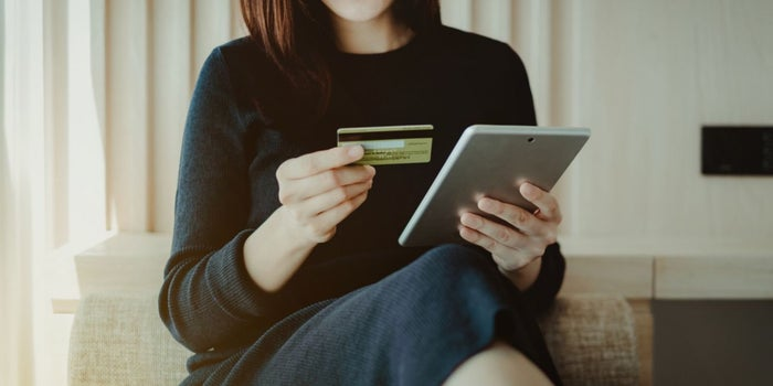 67 Fascinating Facts About Ecommerce vs. Brick and Mortar (Infographic)