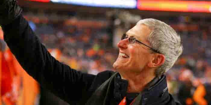 Apple dice que Tim Cook ahora debe volar en aviones privados 'por seguridad'