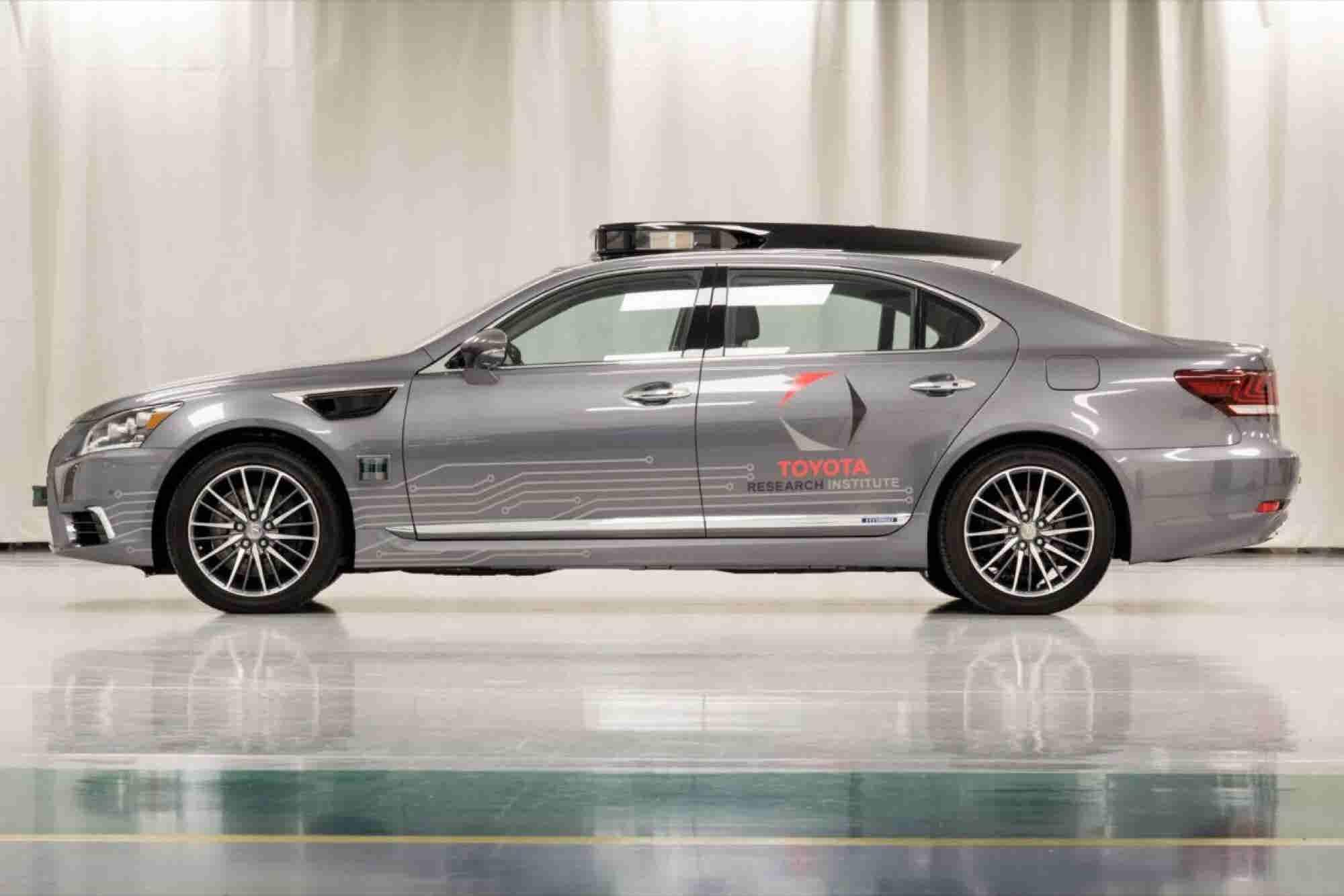 Toyota to Show Off Autonomous Car Gains at CES