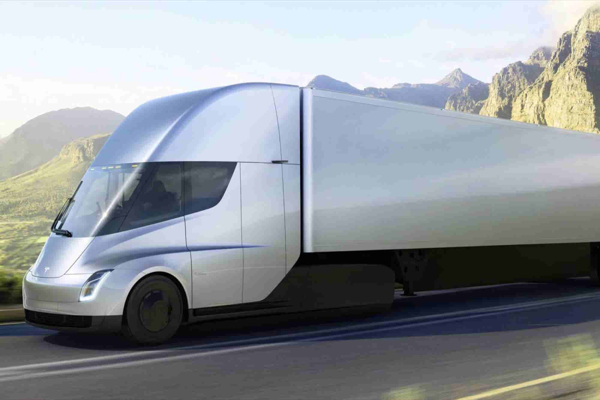 El Tesla Semi ya tiene competencia y ya circula en las calles