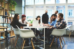 Why Start Your Start-up by Building a Community?