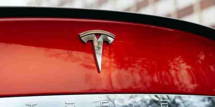 ¿Publicidad engañosa? Demandan a Tesla por sus anuncios del Modelo S