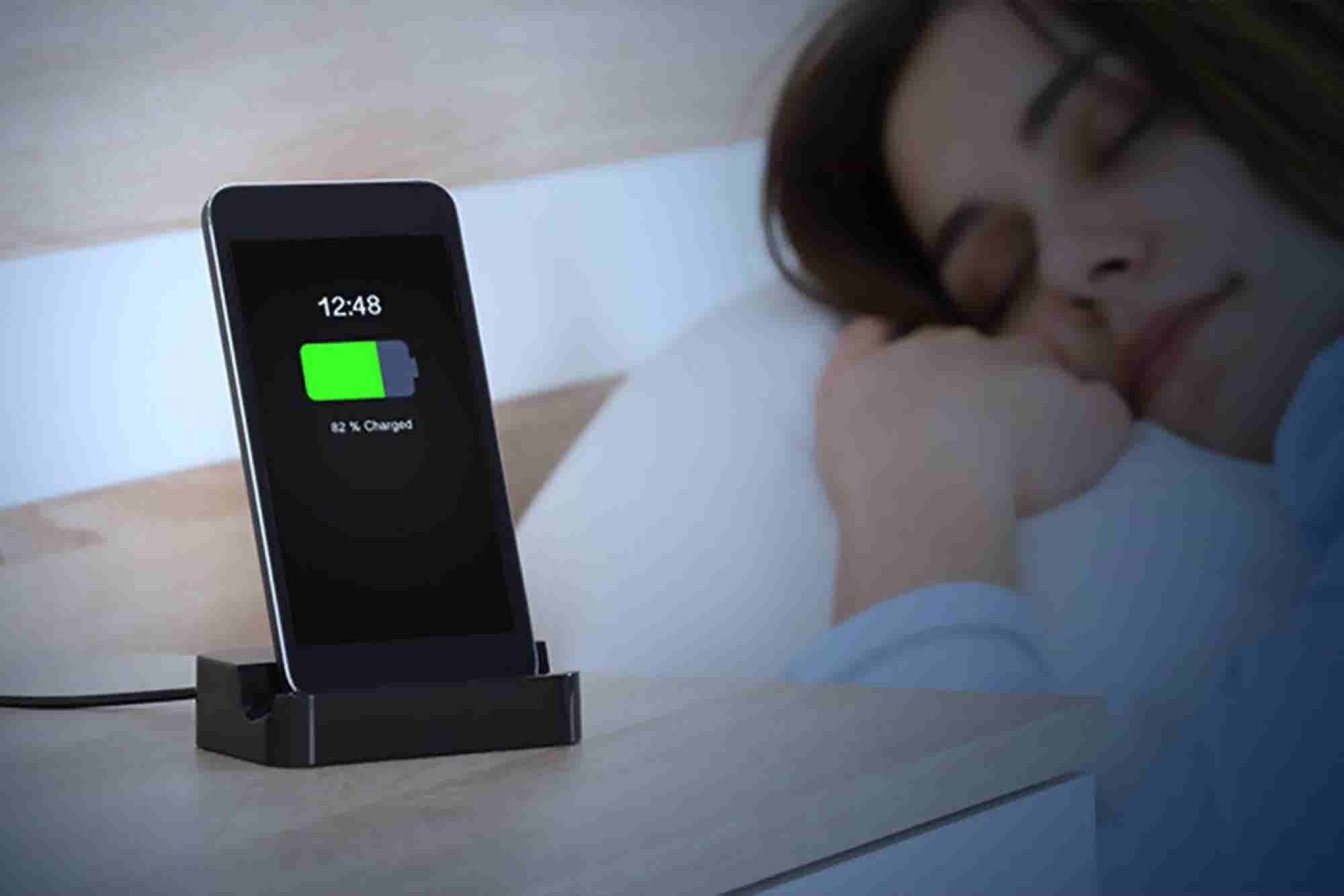 Charging Your Phone Overnight: Battery Myths Debunked