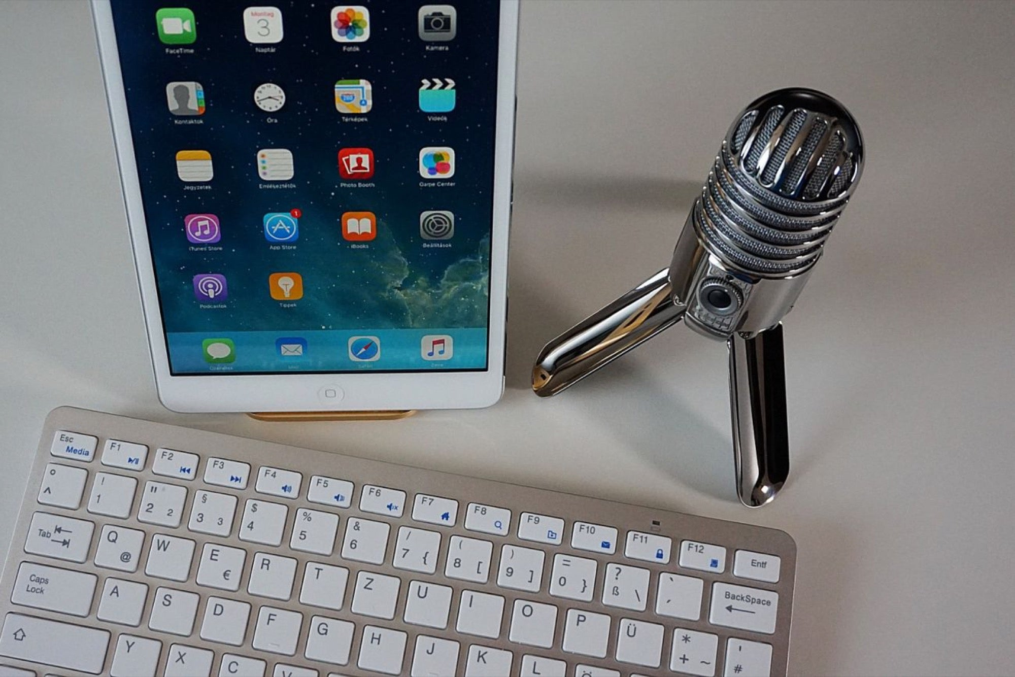 4 Steps to Build a Remarkable Brand through Podcast
