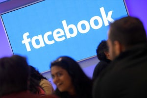Facebook Teaches You How to Keep Your Data Private