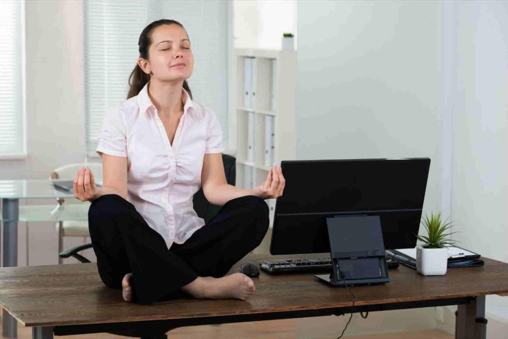 Emprendedor, ¡practica yoga corporativo!