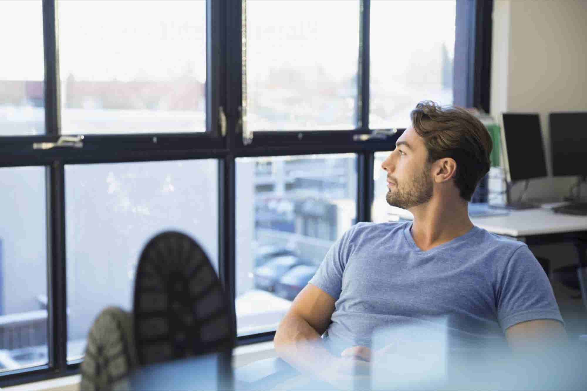 Working Hard or Hardly Working? 5 Hacks to Get More Out of Your 8-Hour...