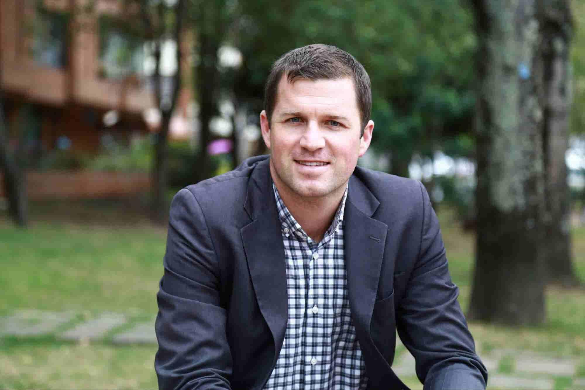 El emprendedor estadounidense que quiere dominar el e-commerce de oficinas en AL