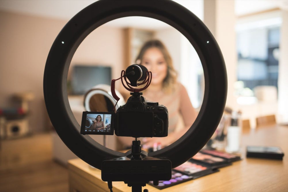 Pro YouTubers Explain How to Succeed on the Video Platform in 2018