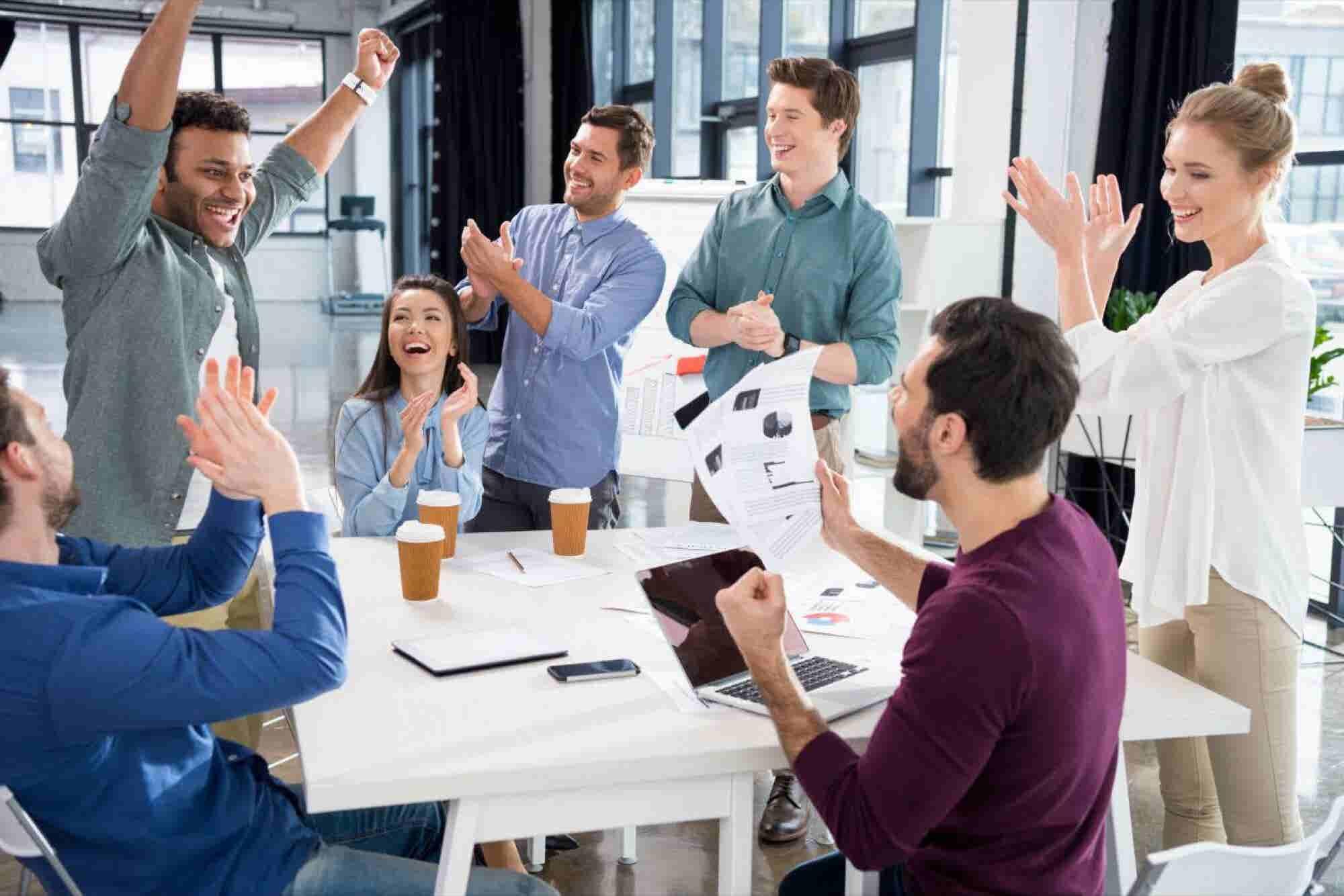 El 'WhatsApp' mexicano que hace el trabajo en equipo más eficiente y productivo