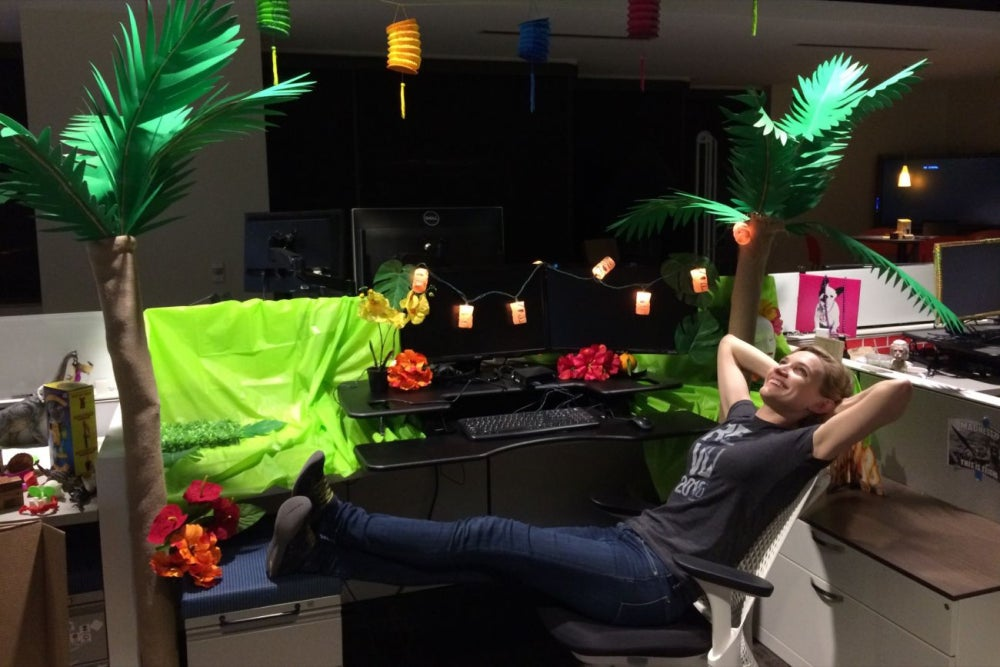 decorated all my coworkers cubicles as a surprise.htm why this company thinks employees decorating other people s  company thinks employees decorating