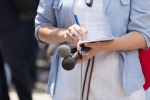 10 Credible Ways to Show the Media You're an Expert Worth Interviewing