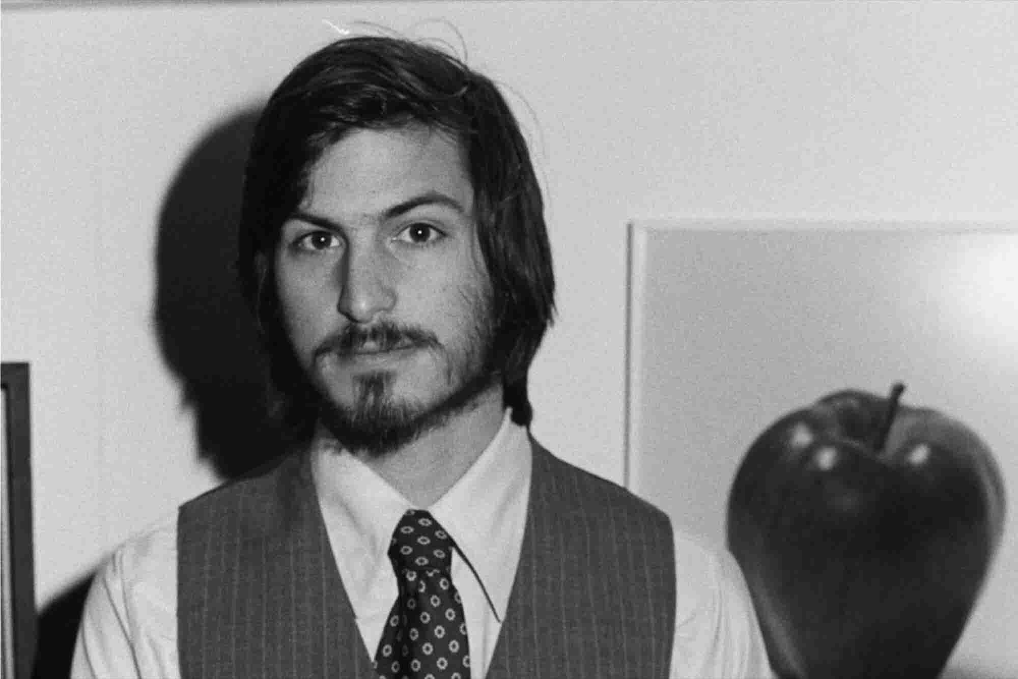 An Error-Ridden Job Application Steve Jobs Handwrote in 1973 Sold for 6 Figures at Auction
