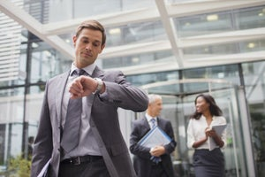 Cultivate Punctuality to Help You Stand Out Among Coworkers
