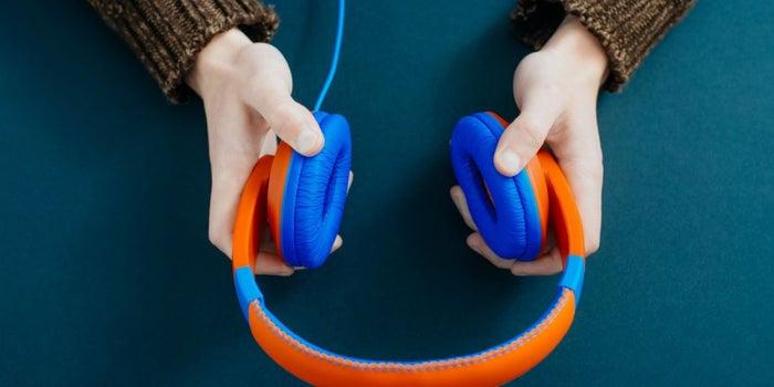 Cómo controlar tus emociones con música