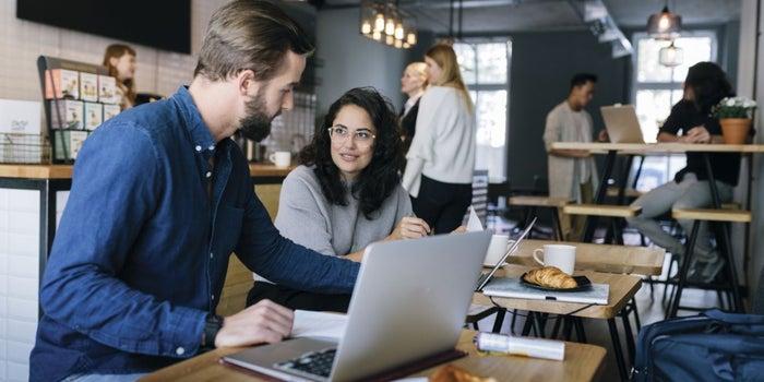3 Ways World-Class Connectors Build a Community