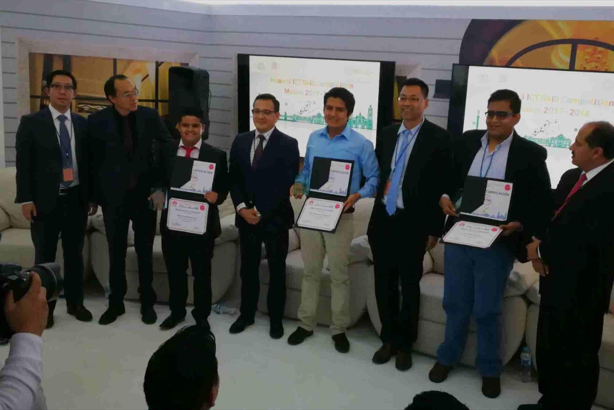 Estudiantes mexicanos demuestran habilidades e irán a China a competir en ICT Skills 2018