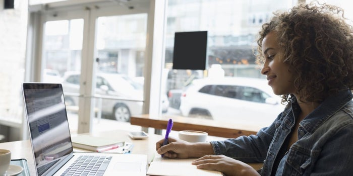 4 Proven Ways Successful Freelancers Achieve More Feast and Less Famine