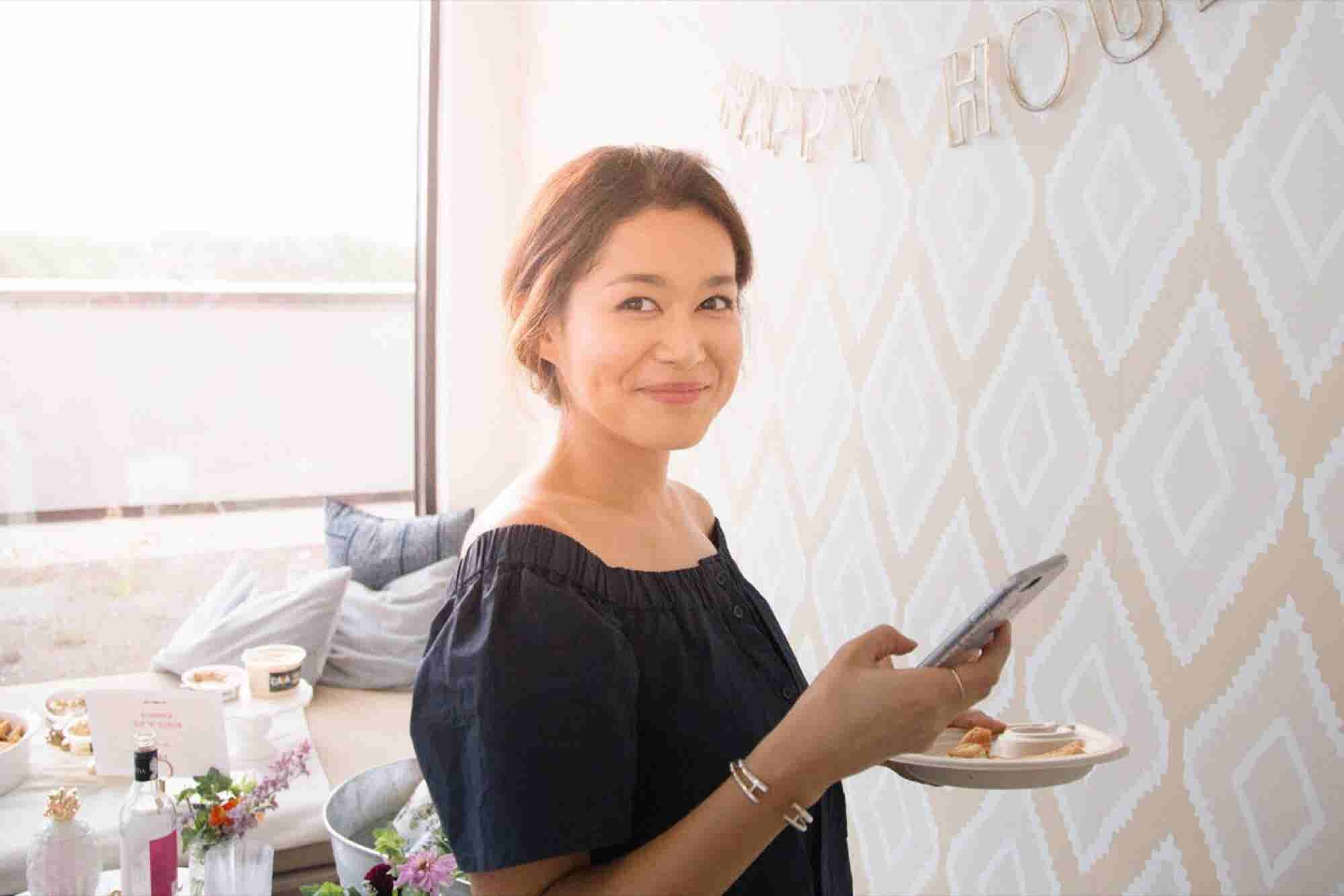 How This Founder Turned Her Newsletter, Girls' Night In, Into a Full-Time Job