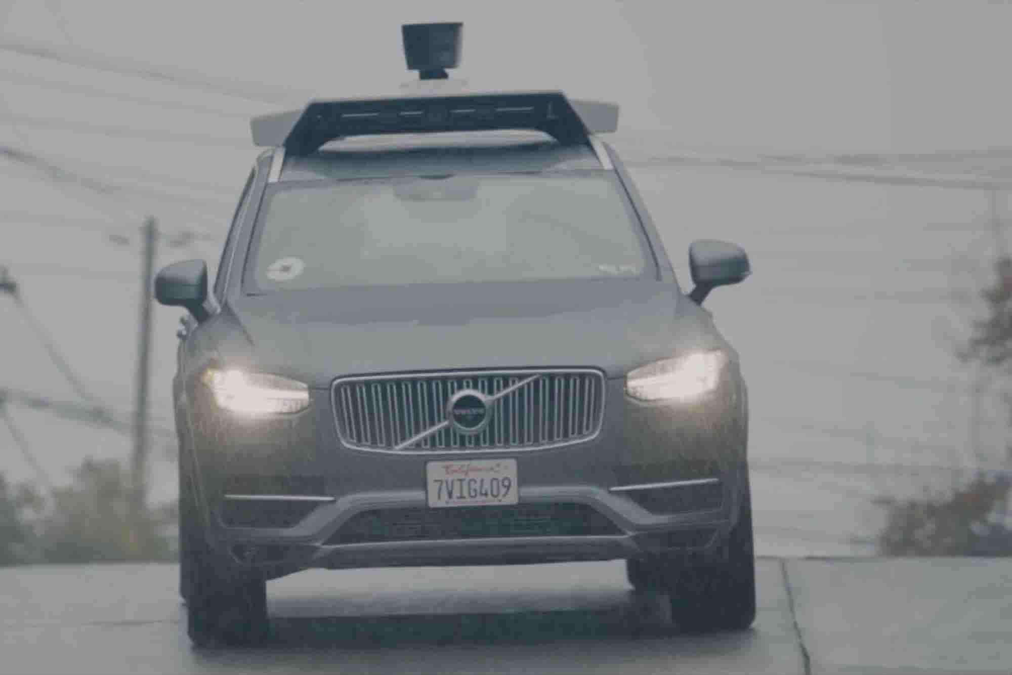 Un Uber autónomo atropella y mata a mujer en Estados Unidos