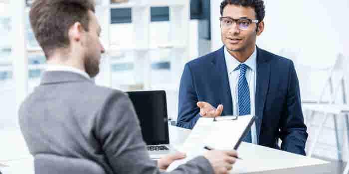 Rompe estas 7 reglas para hacerlo excelente en tu próxima entrevista de trabajo
