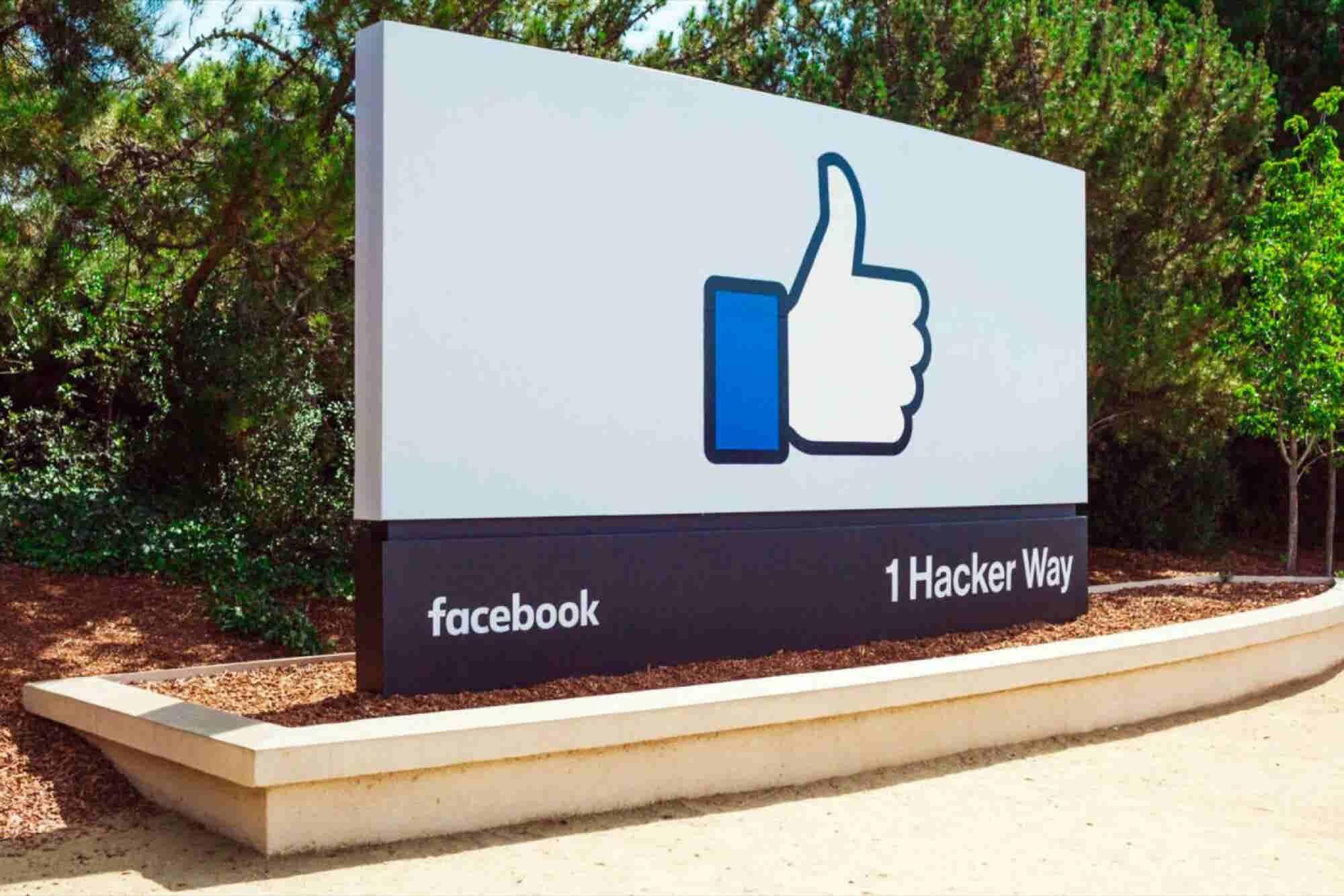 I'm Stuck in the Facebook Trap