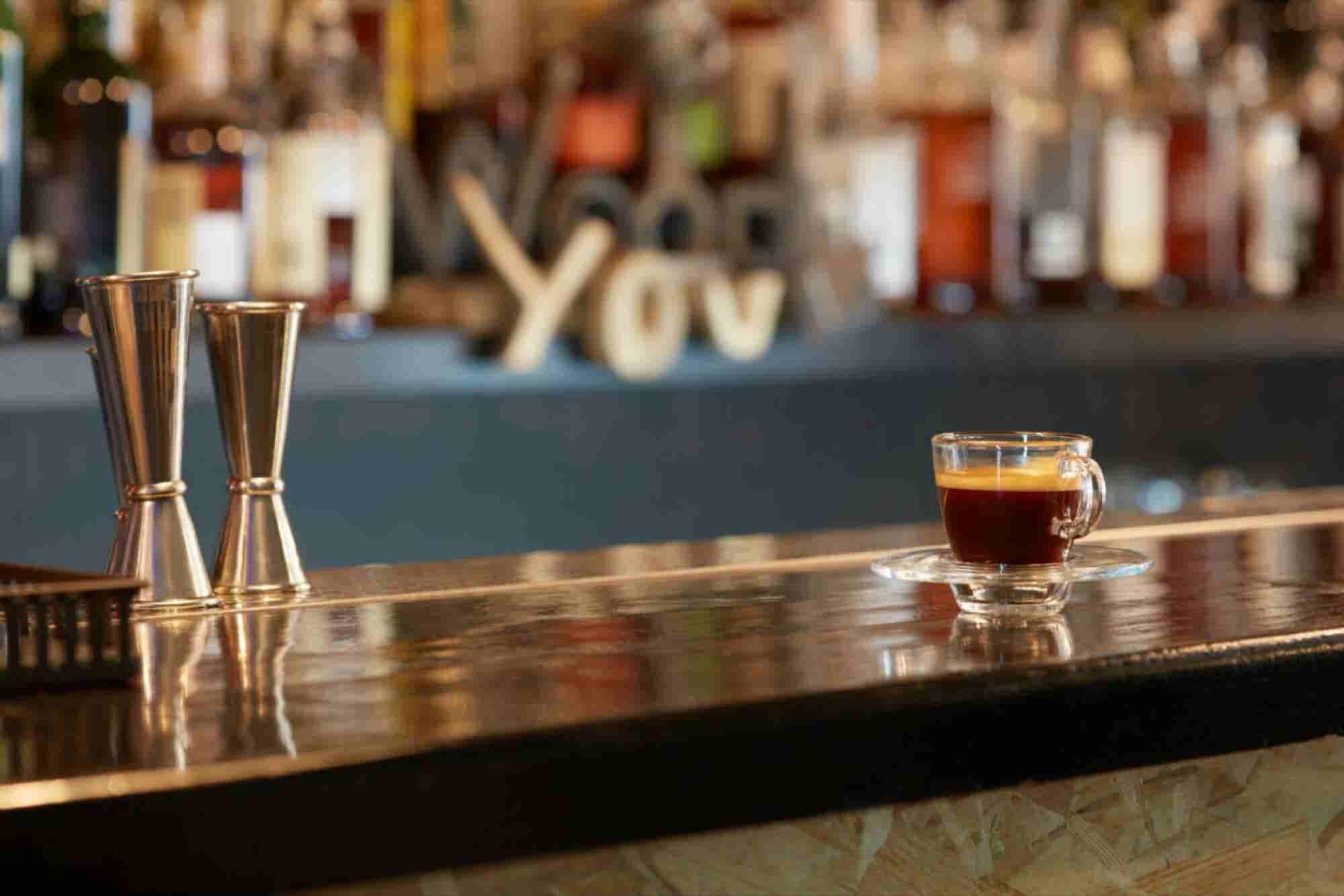 ¡Una idea de negocios diferente! Abre un bar de café