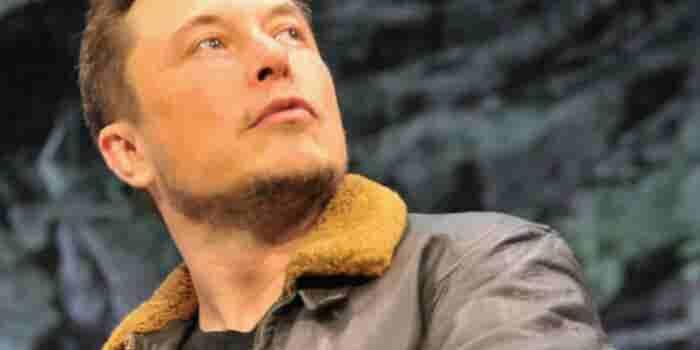 Elon Musk elimina su cuenta de Facebook