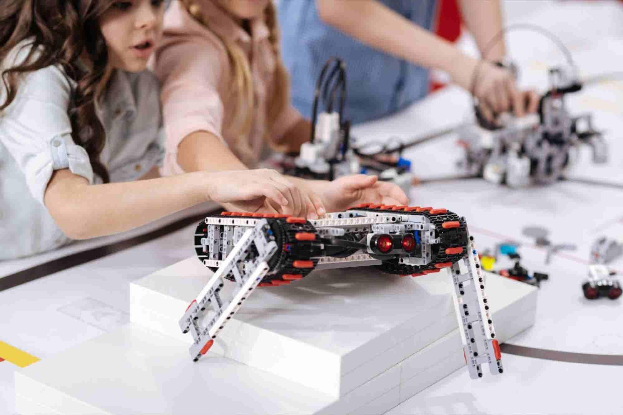 La mayor competencia de robótica para niños en Latinoamérica comienza...