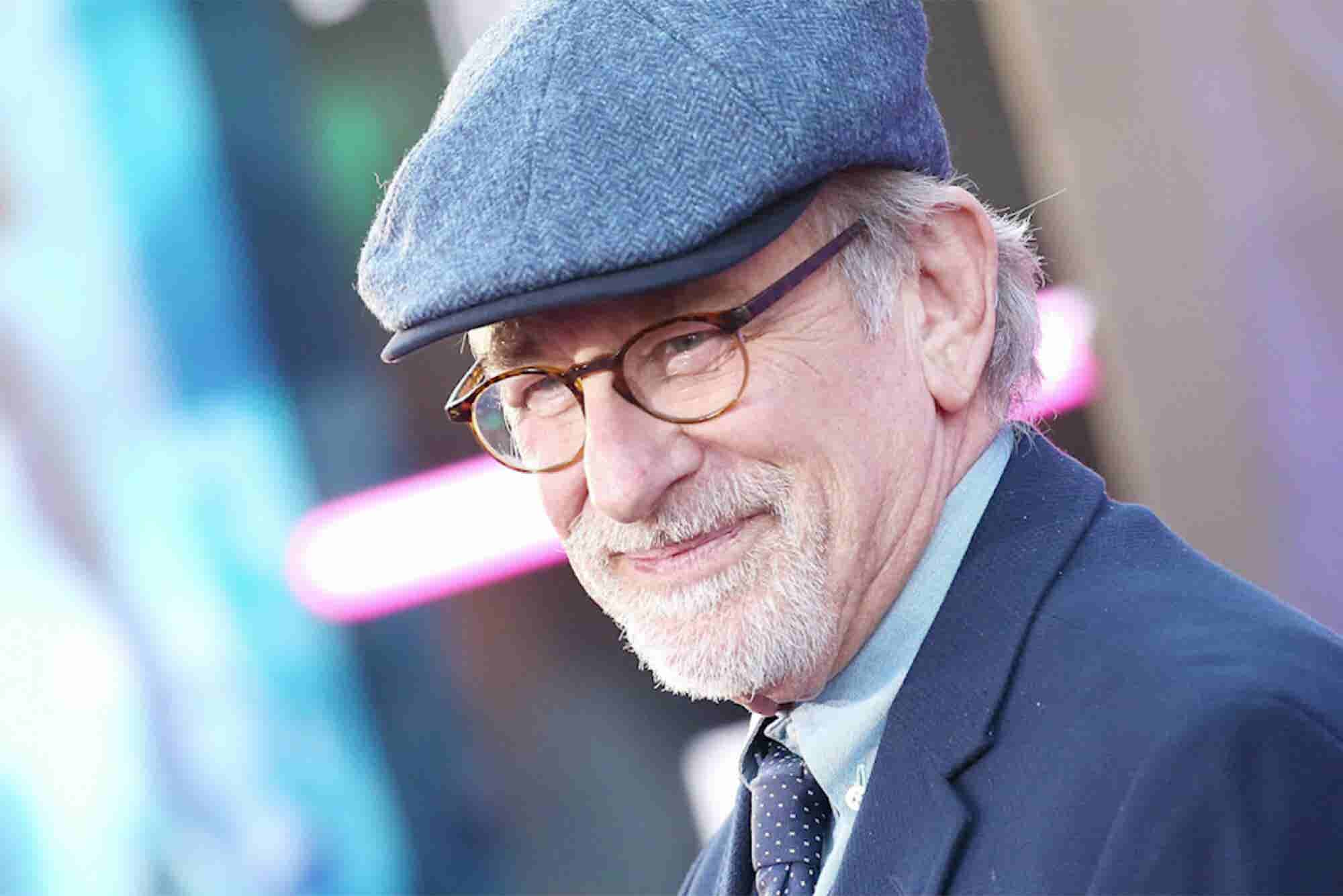 Steven Spielberg Chews Up Carl's Jr.'s 'Spielburger' Plans. 3 Things to Know Today.