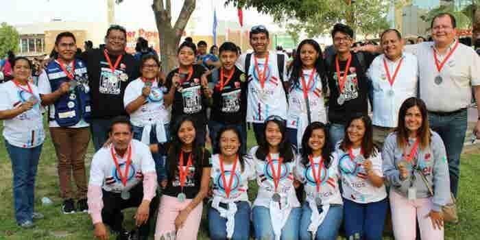 Los estudiantes de robótica que triunfaron pese a los sismos del 19S