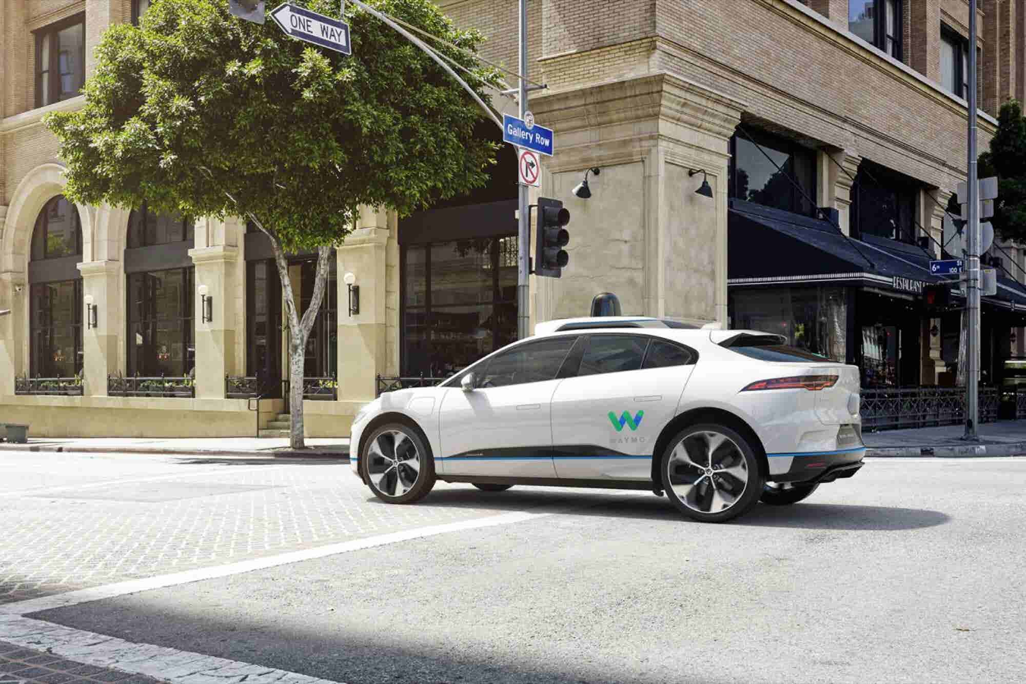Waymo Partners With Jaguar on Self-Driving Cars