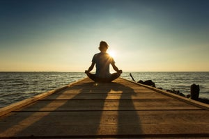 Does Meditation Make You More Productive? These 5 Entrepreneurs and CEOs Think So.