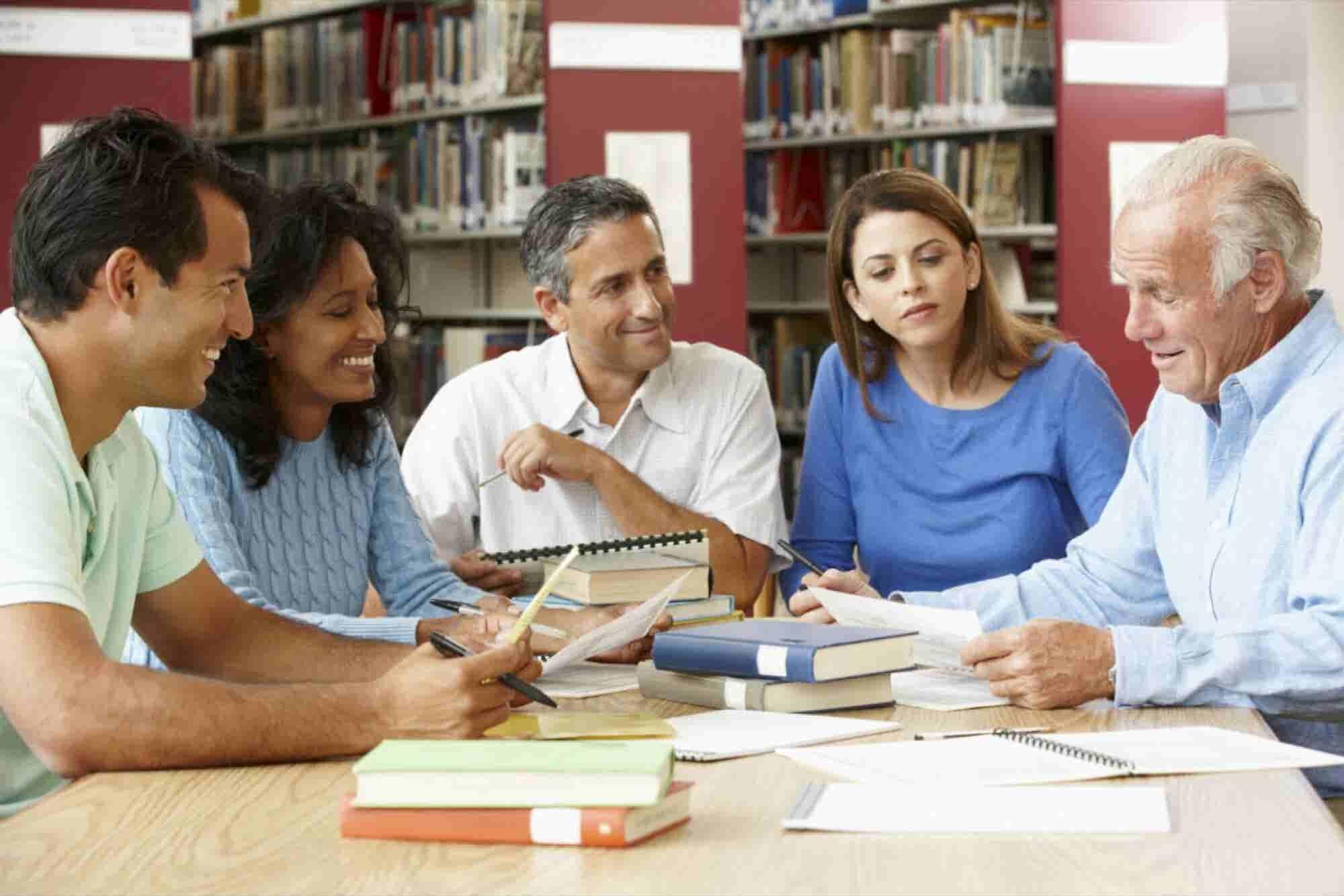 Las 5 'personas' que te ayudarán a triunfar en los negocios