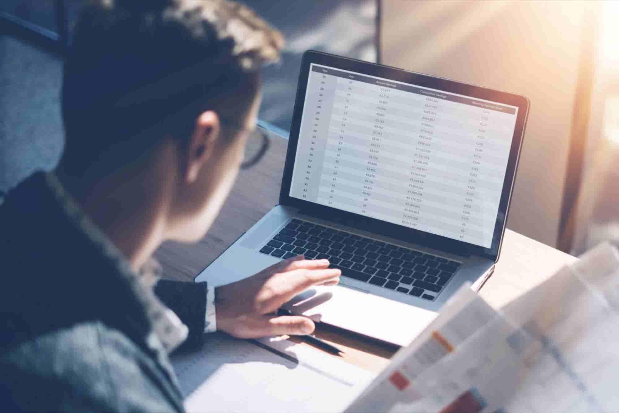 ¿Cómo invertir en la Bolsa de Valores? Guía básica y consejos