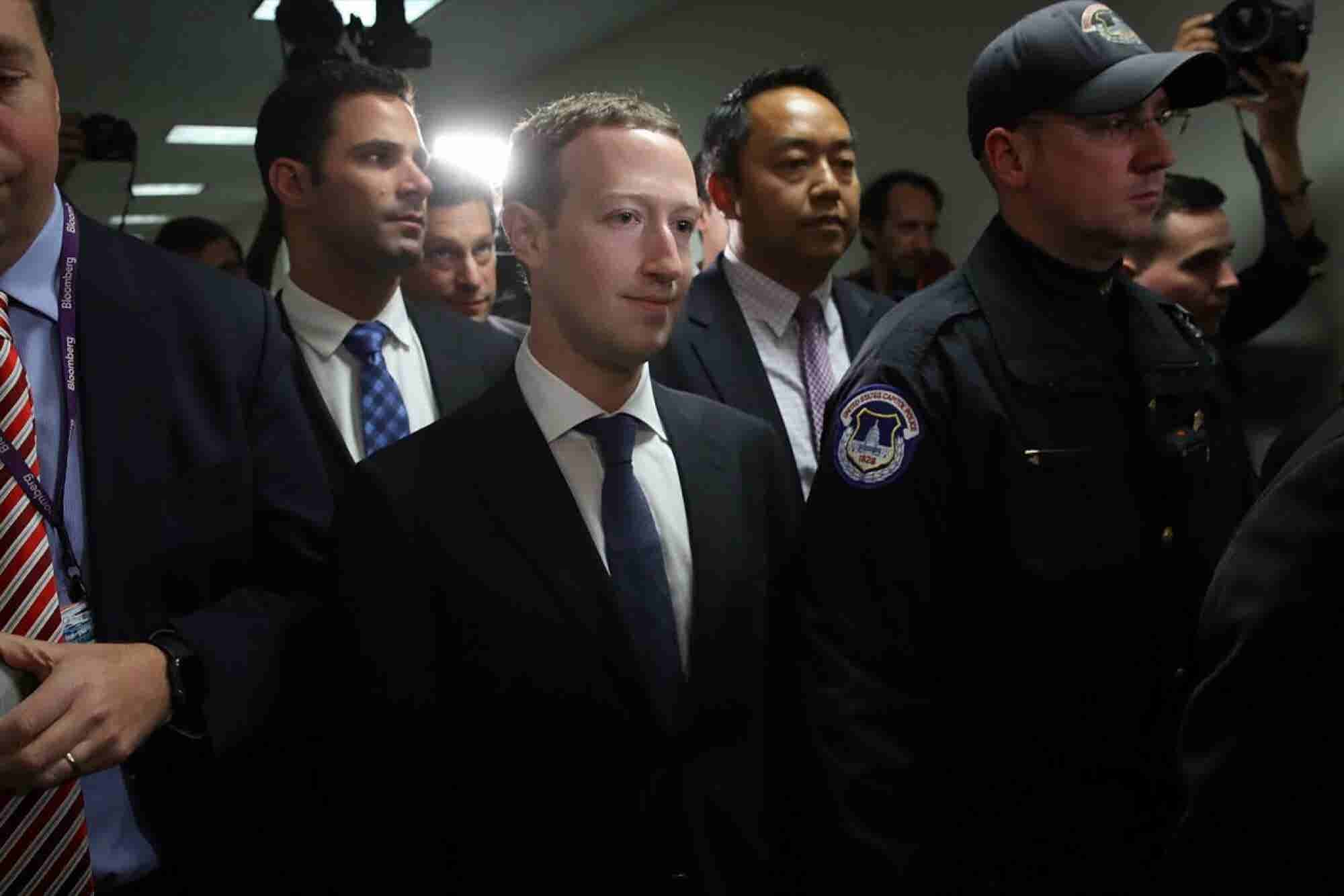 Mark Zuckerberg in the Hot Seat and 'Grand Theft Auto' Beats 'Star War...