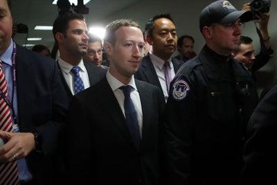 Mark Zuckerberg in the Hot Seat and 'Grand Theft Auto' Beats 'Star War...