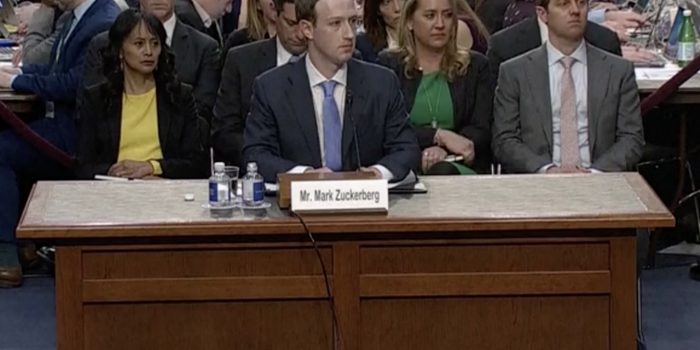 Zuckerberg pide disculpas al Senado por caso de Cambridge Analytica