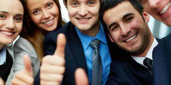 Convierte a tus empleados en embajadores sociales