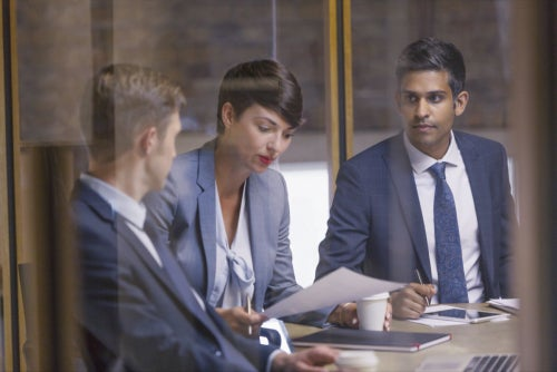 How 'Groupthink' Can Cost Your Business (and 3 Corporate Examples)