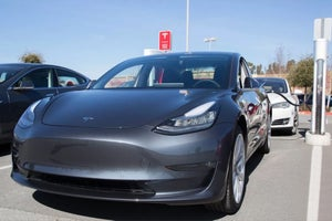 Elon Musk Says That Too Many Robots Slowed Down Model 3 Production