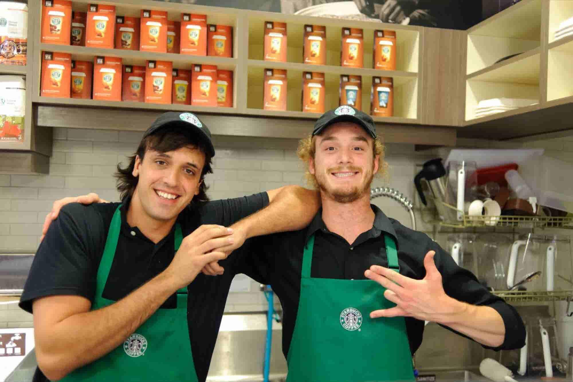 Así hará Starbucks para evitar la discriminación en sus tiendas