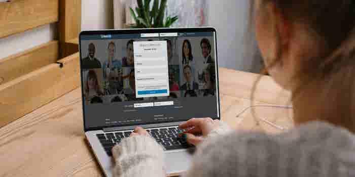 Linkedin ayudará a jóvenes con sus crisis de carrera