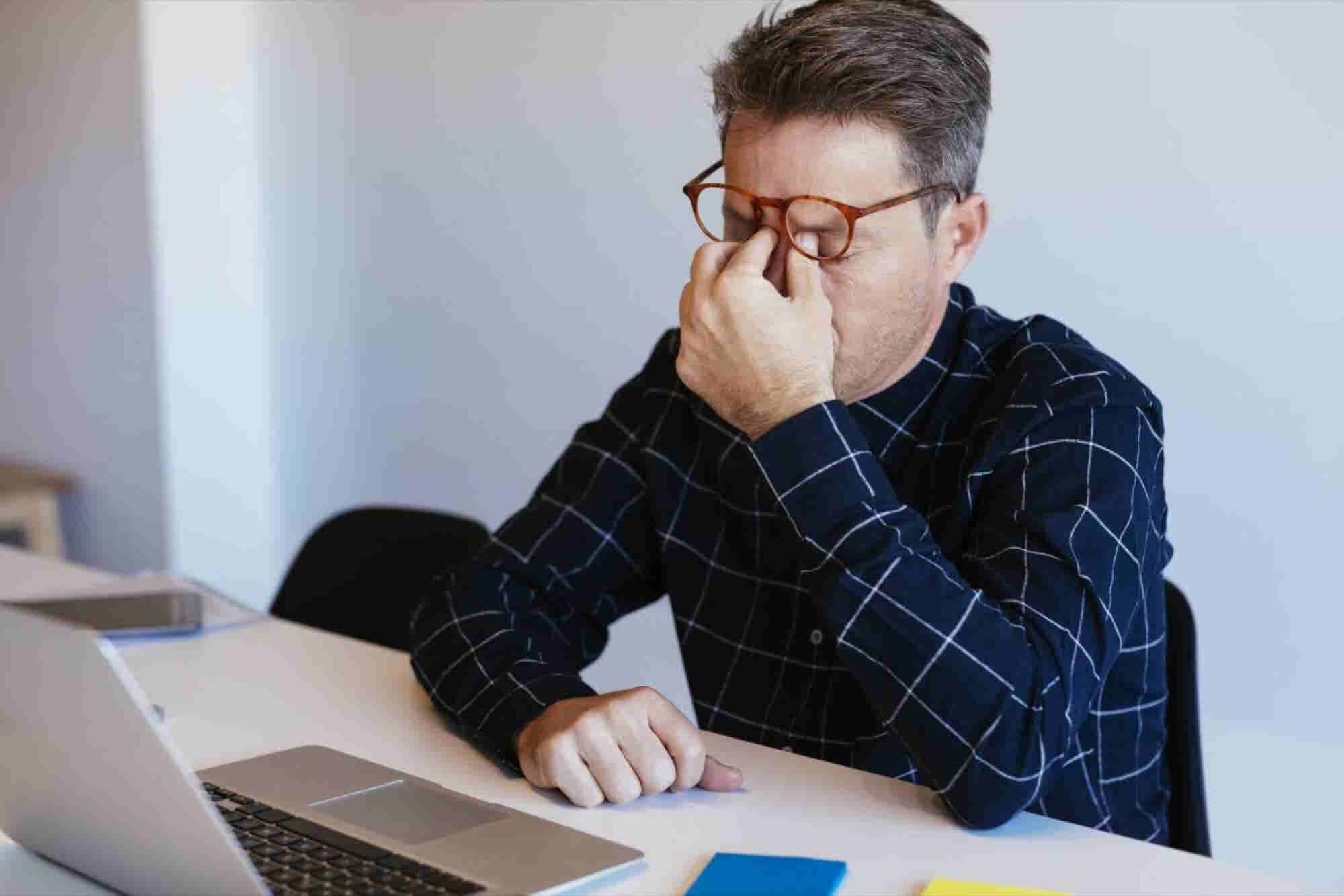5 Things Entrepreneurs Do Mindlessly Every Day That Sabotage Their Success