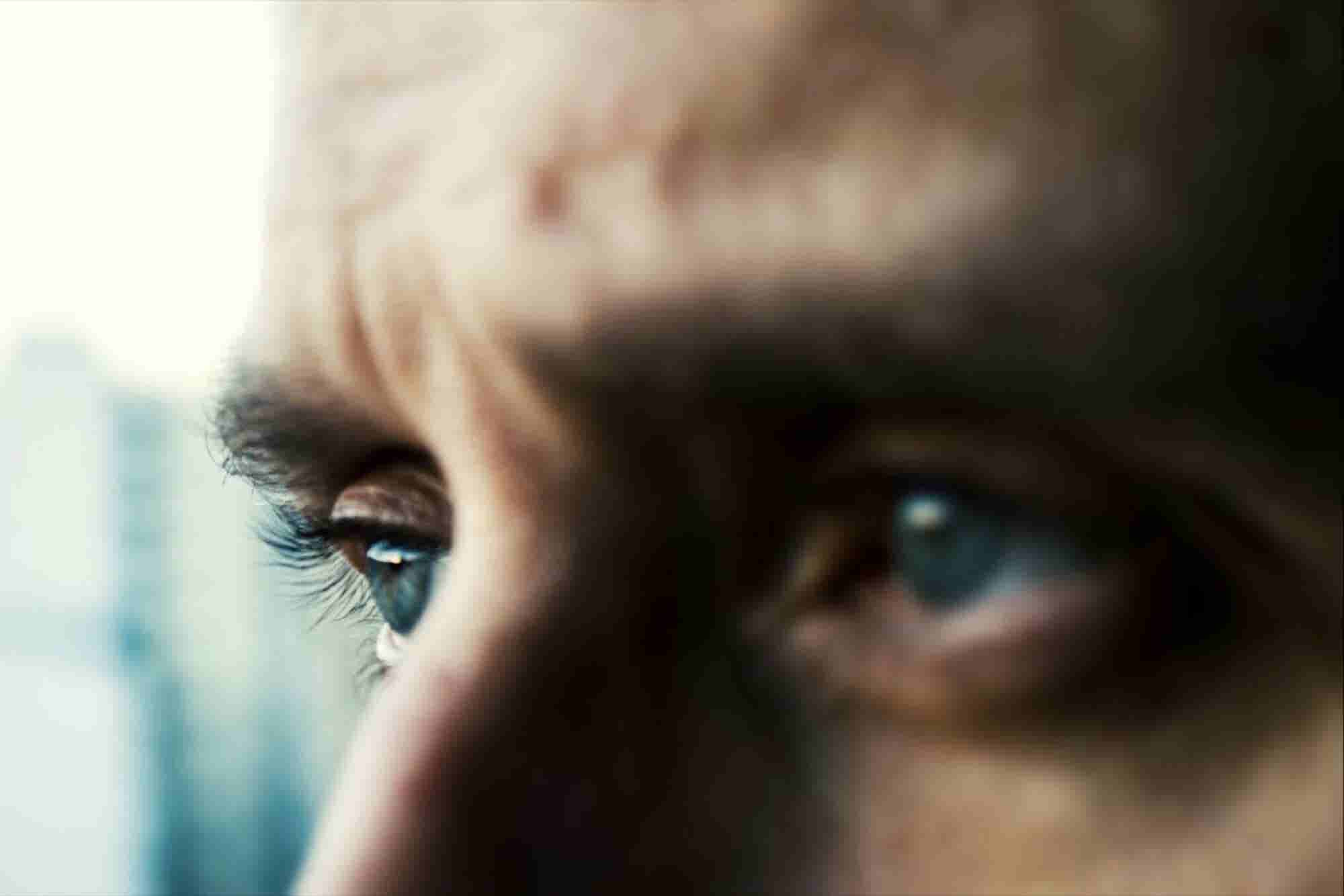 9 Ways to Focus a Wandering Mind (Infographic)