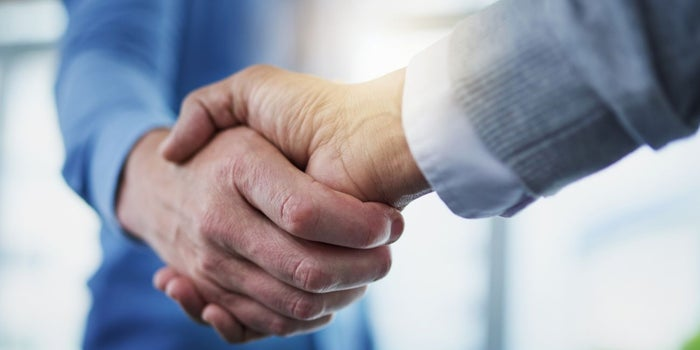 This Is How 2 Top MBA Professors Recommend You Smooth Negotiations for a Better Salary